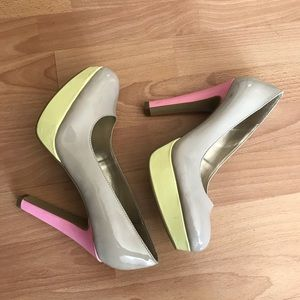 Guess high heels shoes for women size 8